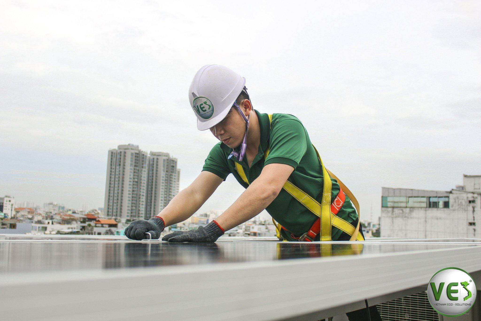 VES lắp đặt điện năng lượng mặt trời cho khách hàng